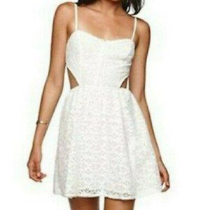[Kendall & Kylie] Cream Lace Cut-Out Lined Dress